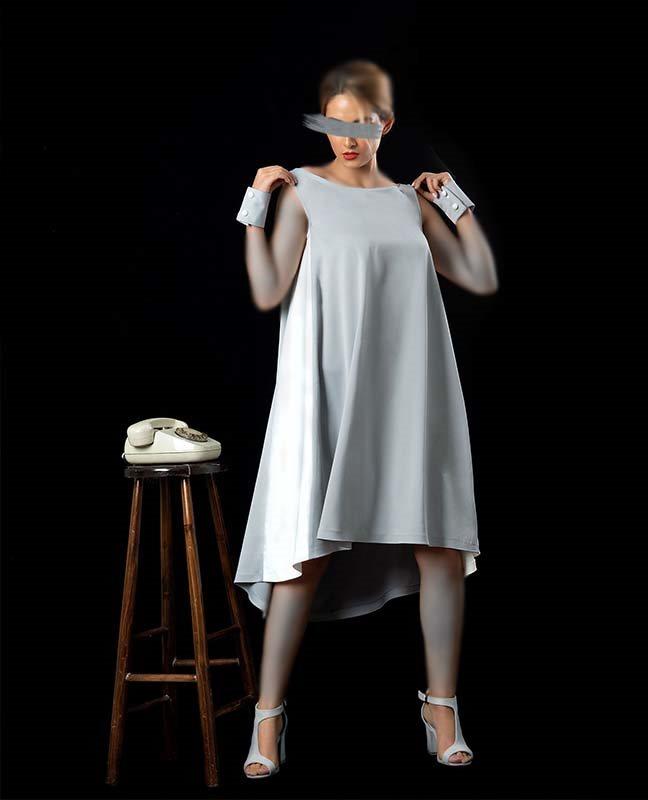 پیراهن طوسی سفید